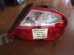 jaguar s type 1999 2008 fanari piso dexio 1 300x225 1 300x225 Jaguar S Type 1999 2005 φανάρι πίσω δεξιό